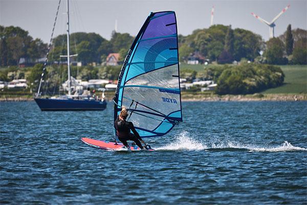 fotograf-kiel-werbefotograf-sportfotograf-windsurfen-oliver-maier-210603103504_K0A9602_preview